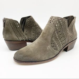 Vince Camuto Prasata Stone Pewter Ankle Boot 9.5